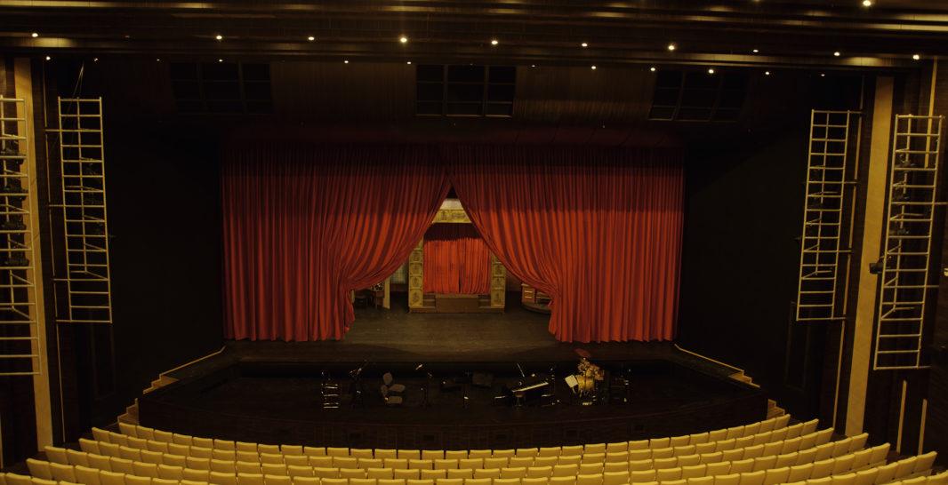 scena-teatr-1066x546